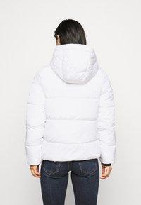 ONLY Petite - ONLMONICA PLAIN JACKET  - Lehká bunda - bright white - 2