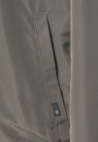 Burton Menswear London - BIG CORE - Giubbotto Bomber - khaki - 4