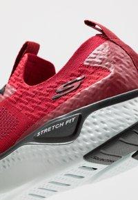 Skechers Sport - SOLAR FUSE - Zapatillas - red/black - 5