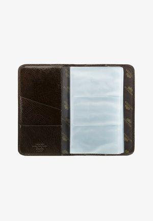 ITALY - Business card holder - braun