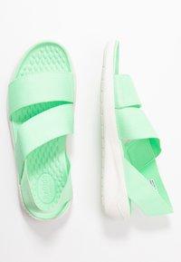 Crocs - LITERIDE STRETCH  - Domácí obuv - neo mint/almost white - 3