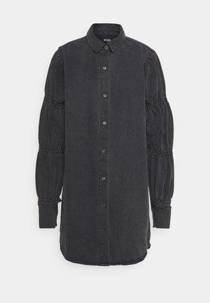 PUFF SLEEVE DRESS - Denimové šaty - black
