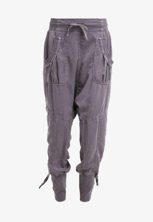 NANNA PANTS - Pantalon classique - pitch black