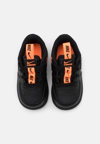 Nike Sportswear - FORCE 1 UNISEX - Baby shoes - black/total orange - 3