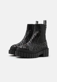No Name - KROSS CHELSEA - Platform ankle boots - black - 2