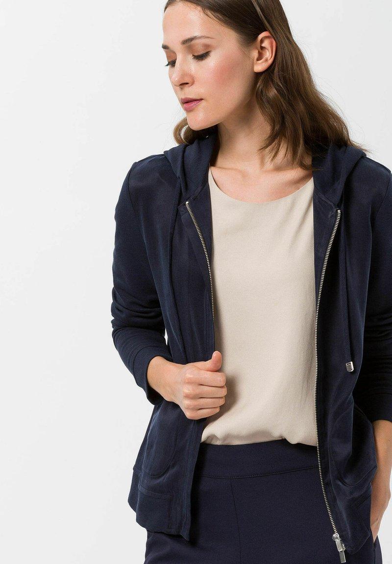 BRAX - Zip-up sweatshirt - marine