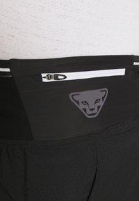 Dynafit - DNA SPLIT SHORTS - Sports shorts - black out - 5