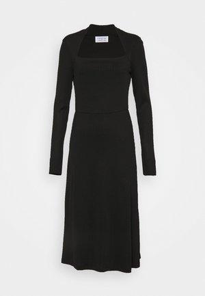 SUCH - Denní šaty - black