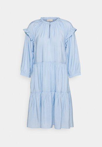 FQHANDI - Vestido informal - chambray blue