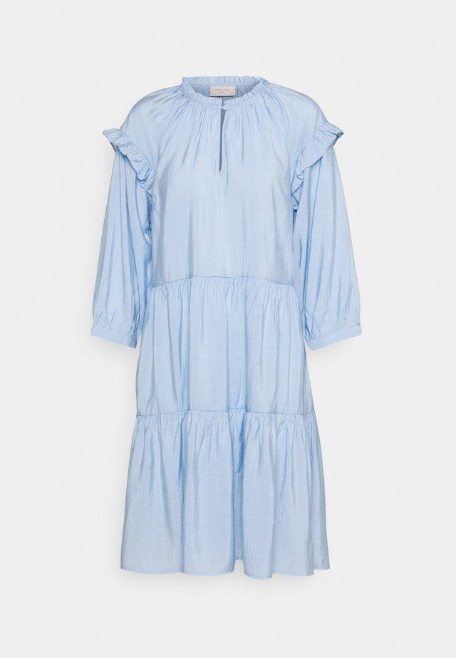 FQHANDI - Day dress - chambray blue