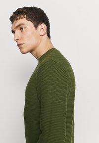 Selected Homme - SLHCONRAD  - Jumper - green - 5