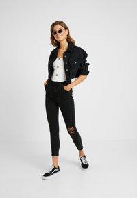 Cotton On - HIGH RISE CROPPED - Skinny džíny - black - 1
