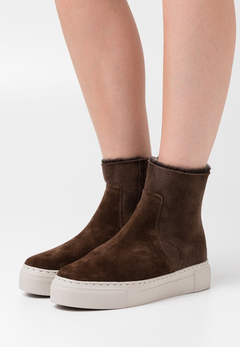 MAHONY - BERN - Platform ankle boots - espresso