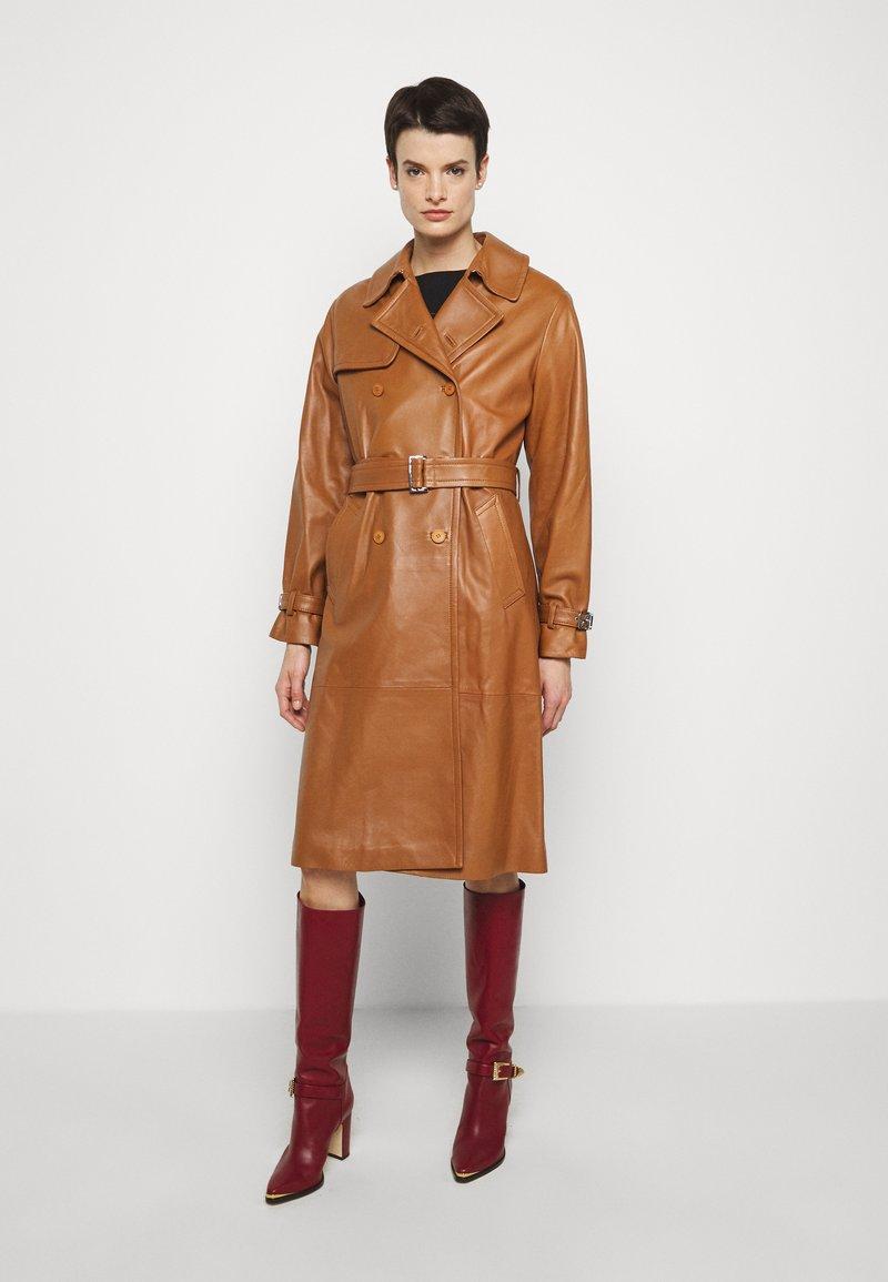 Alberta Ferretti - Trenchcoat - brown