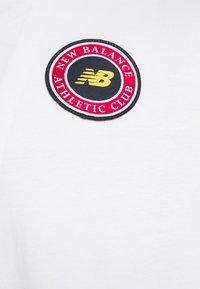 New Balance - ESSENTIALS ATHLETIC CLUB LOGO TEE - Print T-shirt - white - 2