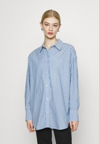 Weekday - EDYN - Button-down blouse - blue - 0