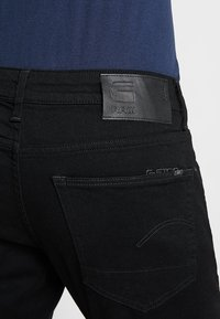 G-Star - 3301 SLIM FIT - Slim fit -farkut - elto nero black superstretch/pitch black - 4