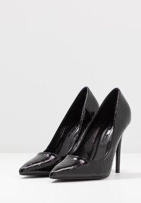 Miss Selfridge - CATERINAPOINTED STILETTO COURT - High heels - black - 4