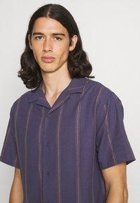 Cotton On - TEXTURED SHORT SLEEVE - Shirt - purple - 3