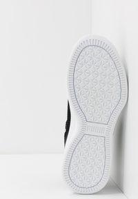 Puma - CLYDE COURT CORE - Basketball shoes - black - 4