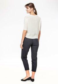 Rosa & Me - FLORA - Print T-shirt - star white - 1