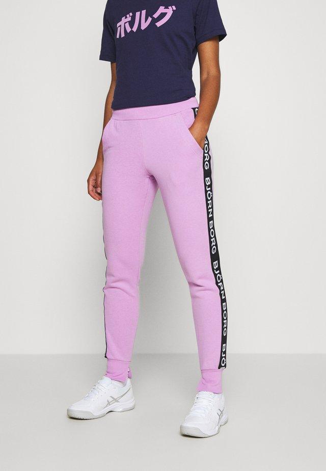 SPORT LOGO PANTS - Pantaloni sportivi - violet tulle