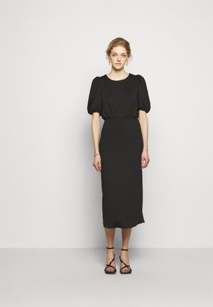 AGENT - Vestido de tubo - black