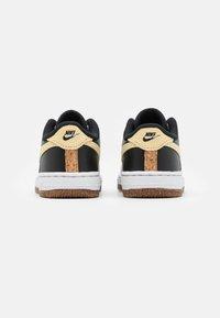Nike Sportswear - FORCE 1 LV8 M2Z2 BT UNISEX - Zapatillas - black/solar flare/white/black - 2