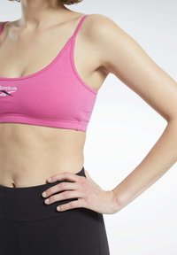 Reebok Classic - CLASSIC SMALL LOGO LOW-IMPACT BRA - Sports bra - pink - 5