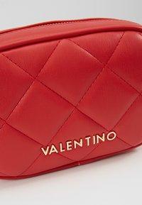 Valentino Bags - OCARINA - Rumpetaske - rosso - 6