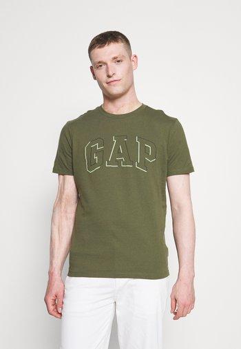 RAISED ARCH - Print T-shirt - army jacket green