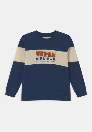 IZZOMO BAPTISTE - Sweatshirt - insignia blue