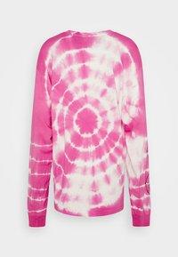 NEW girl ORDER - OPERA LADY TIE DYE TEE - Camiseta de manga larga - pink - 1