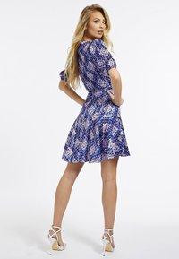 Guess - Korte jurk - mehrfarbig, grundton blau - 1