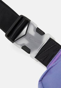 Nike Sportswear - UNISEX - Across body bag - wild berry/black - 5