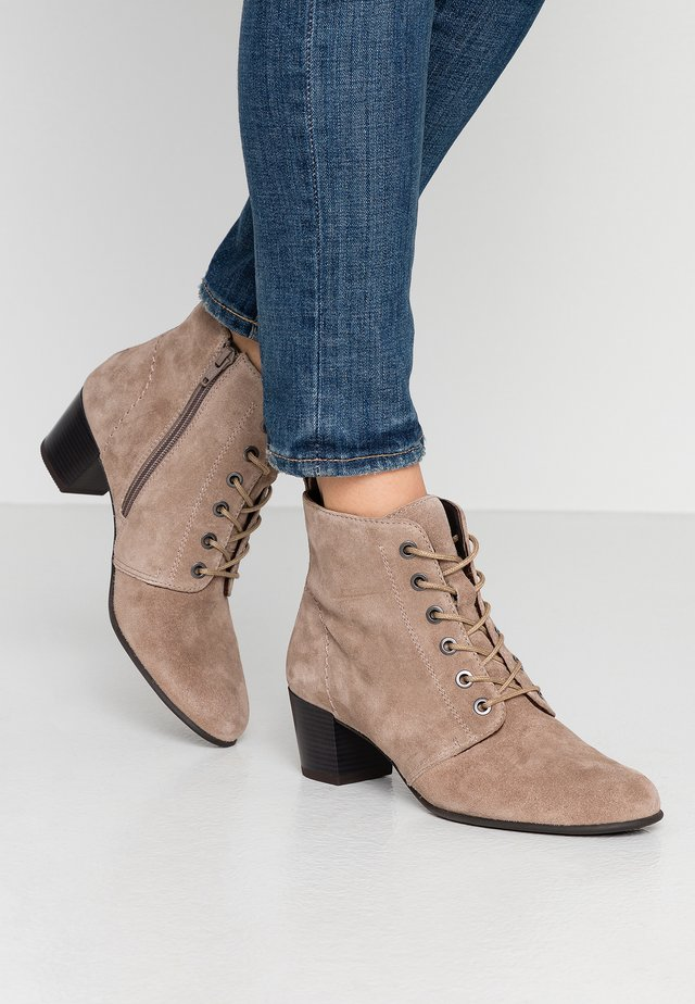LEATHER BOOTIES  - Nilkkurit - taupe