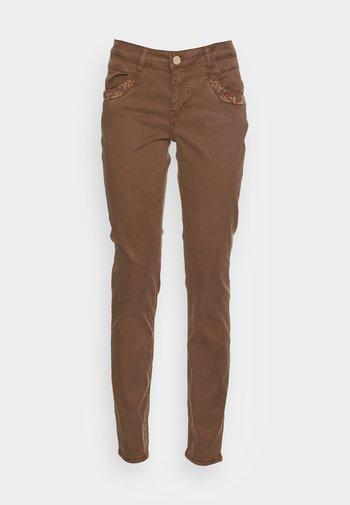 SATURDAY PANT - Trousers - carafe