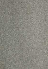 Jack & Jones PREMIUM - JPRBLALOGO SPRING TEE CREW NECK  - T-shirt basic - new sage - 2