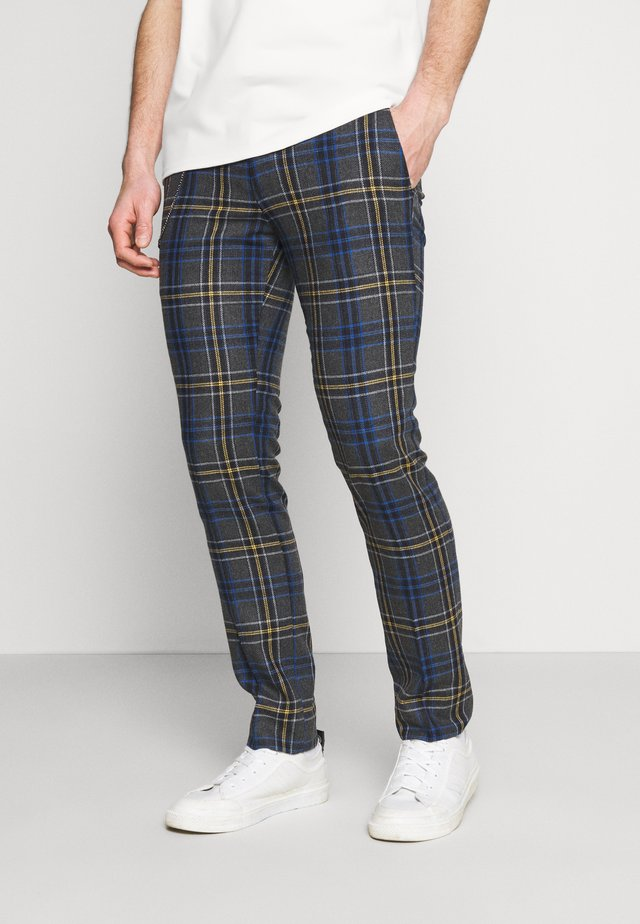 LEIGHTON TROUSERS - Kangashousut - blue/yellow