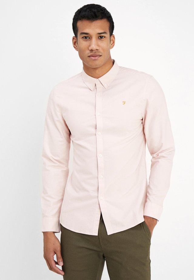 BREWER SLIM FIT - Shirt - pink