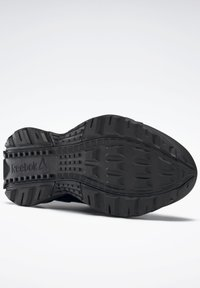 Reebok - RIDGERIDER GTX 5.0 SHOES - Hiking shoes - black - 7