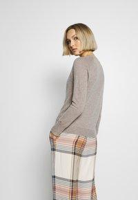 pure cashmere - CLASSIC CREW NECK  - Jumper - beige - 2