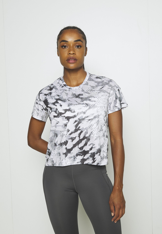 Women FAST ALL OVER PRINT SUPERNOVA AEROREADY - Print T-shirt
