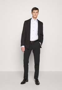 KARL LAGERFELD - SHIRT MODERN FIT - Camicia - white - 1