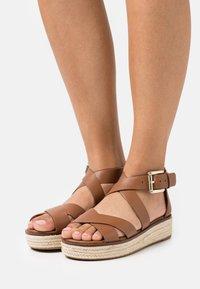 MICHAEL Michael Kors - DARBY - Platform sandals - luggage - 0