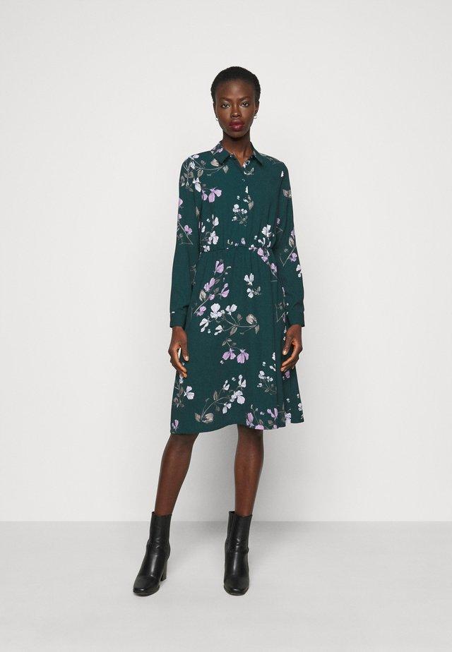 VMANNIE DRESS - Paitamekko - ponderosa pine/hallie