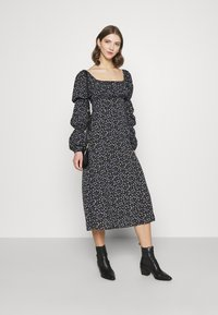 Missguided - SQUARE NECK MIDI DRESS FLORAL - Day dress - black - 1