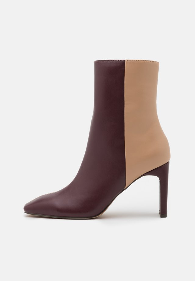 TWO TONED SQUARE TOE BOOTS - Kotníková obuv na vysokém podpatku - multicolor