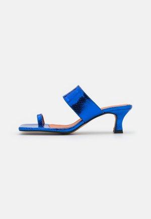 tåsandaler - blue