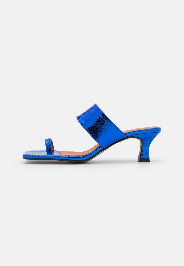 Varvassandaalit - blue
